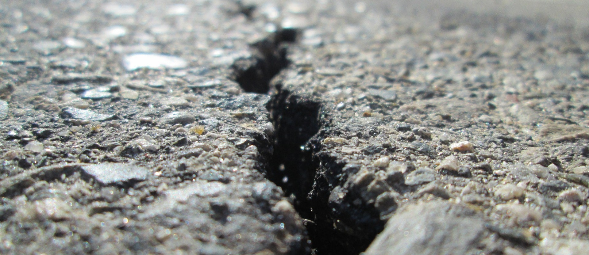 asphalt-crack-1-526557-edited
